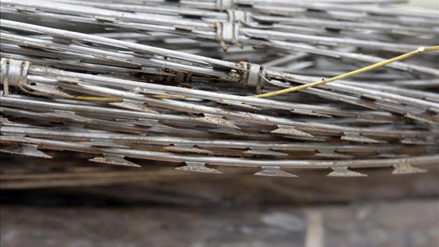 La concertina ocupará un tercio de la valla de Melilla, unos tres kilómetros