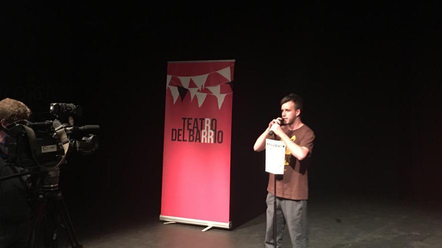 Portavoz del Movimiento Antirrepresivo de Madrid en el Teatro del Barrio