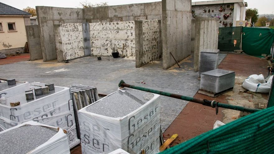 El memorial desmontado en el cementerio de La Almudena. Oscar Rodríguez