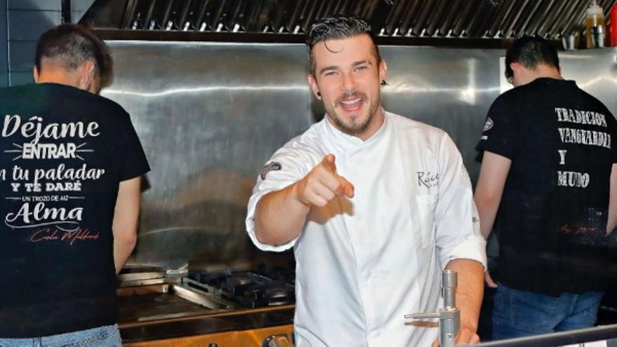 Carlos Maldonado en el restaurante