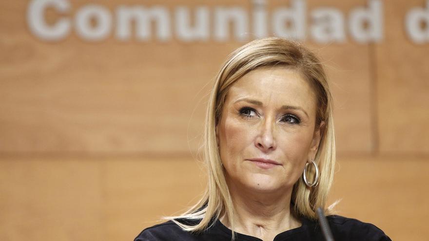 """Cifuentes defiende a Aguirre y dice que habrá tenido """"muchos errores"""" pero no ha estado """"inmersa en la corrupción"""""""