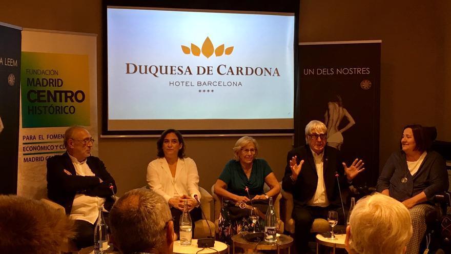 Ada Colau y Manuela Carmena, durante el acto de este lunes en Barcelona.