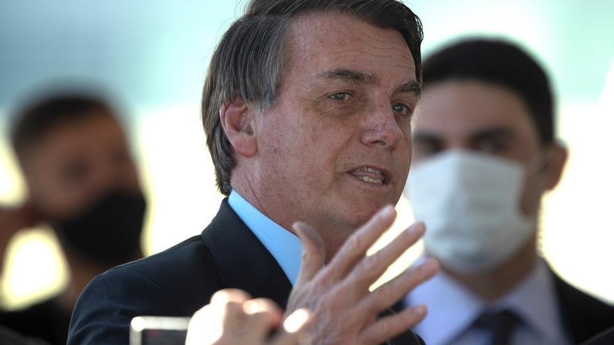 Designado la semana pasada por el presidente de Brasil, Jair Bolsonaro, para dirigir el Ministerio de Educación, el economista Carlos Alberto Decotelli tuvo que renunciar al nombramiento por una serie de informaciones falsas que constaban en su currículo.