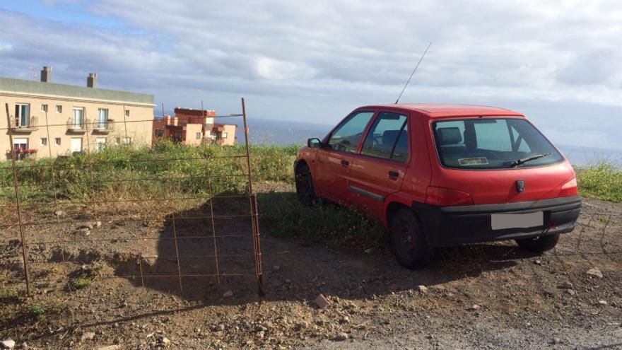 Vehículo abandonado en el municipio de Los Realejos