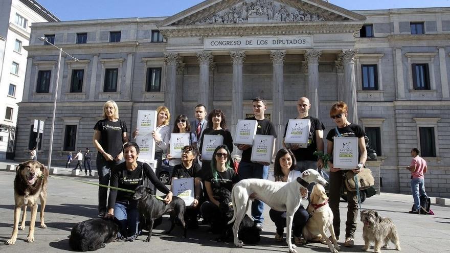 El Partido Animalista registra más de 7.500 firmas que le permitirán presentarse a las elecciones