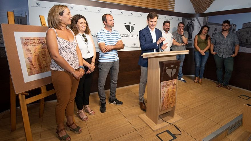 Presentación en la Diputación Provincial de Cáceres