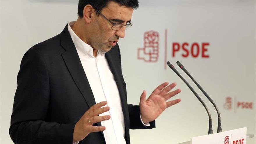 """La gestora del PSOE prevé que sea """"el último gobierno"""" de Rajoy"""