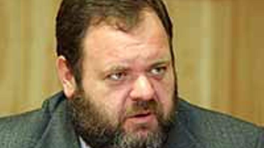 El consejero de Sanidad, Fernando Bañolas.