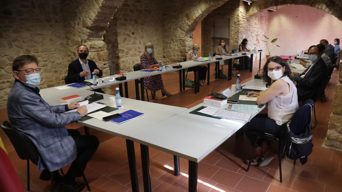 El pleno del Consell reunido en Albocàsser.