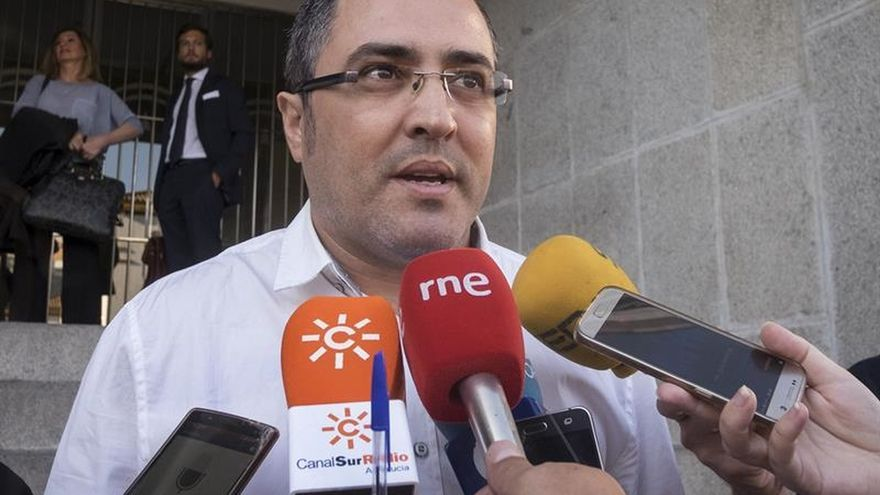 La familia de las víctimas de Almonte critica los vítores al presunto asesino