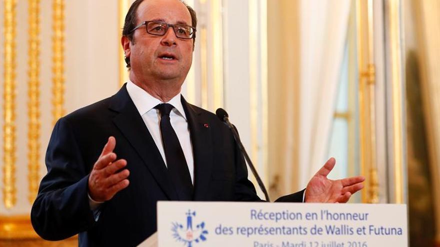 Francia anuncia que reforzará su presencia militar en Irak