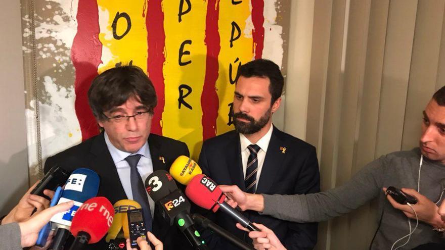 Carles Puigdemont y Roger Torrent, en Waterloo.