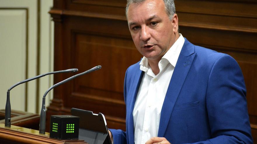 Luis Campos, portavoz parlamentario de Nueva Canarias
