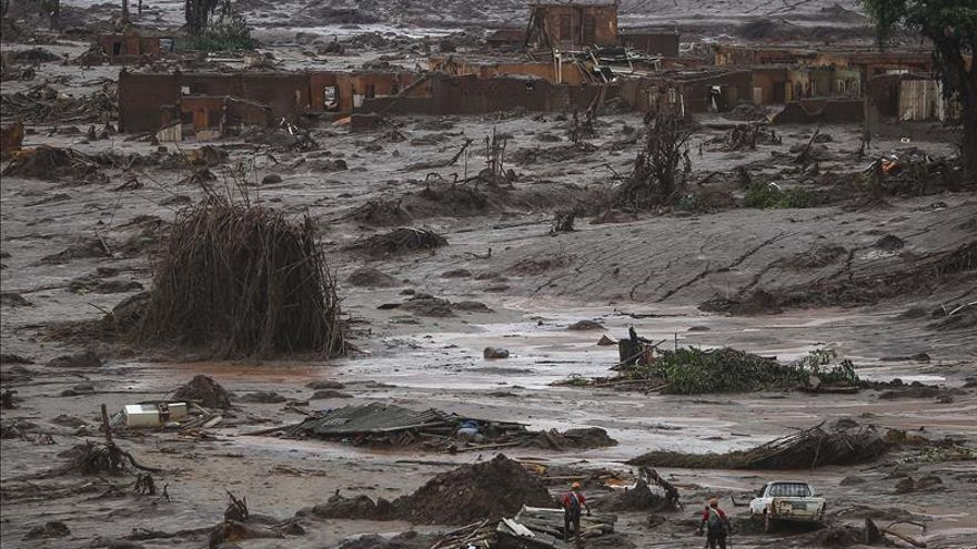 Minera brasileña reconoce la posibilidad de que se rompan otros dos depósitos