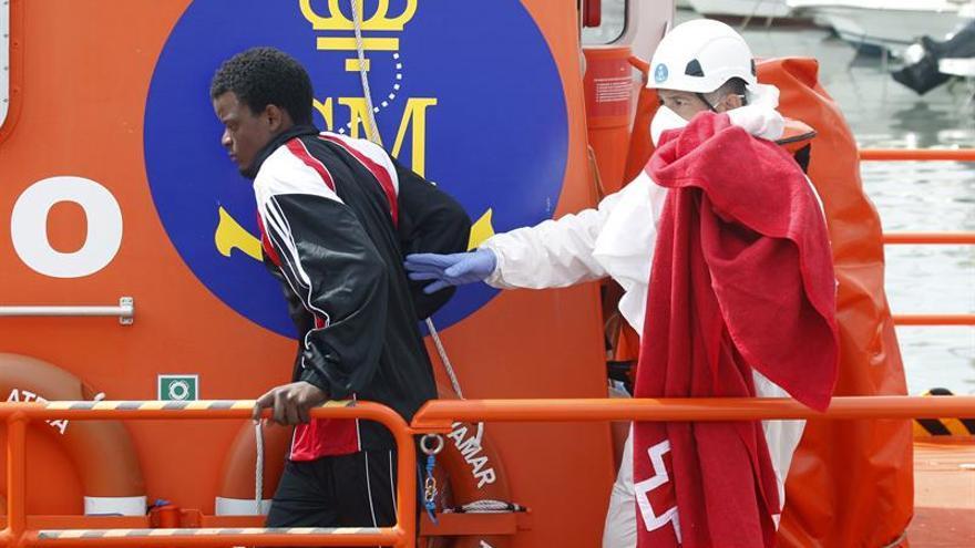 Mueren ahogados tres inmigrantes que viajaban en una patera en Algeciras