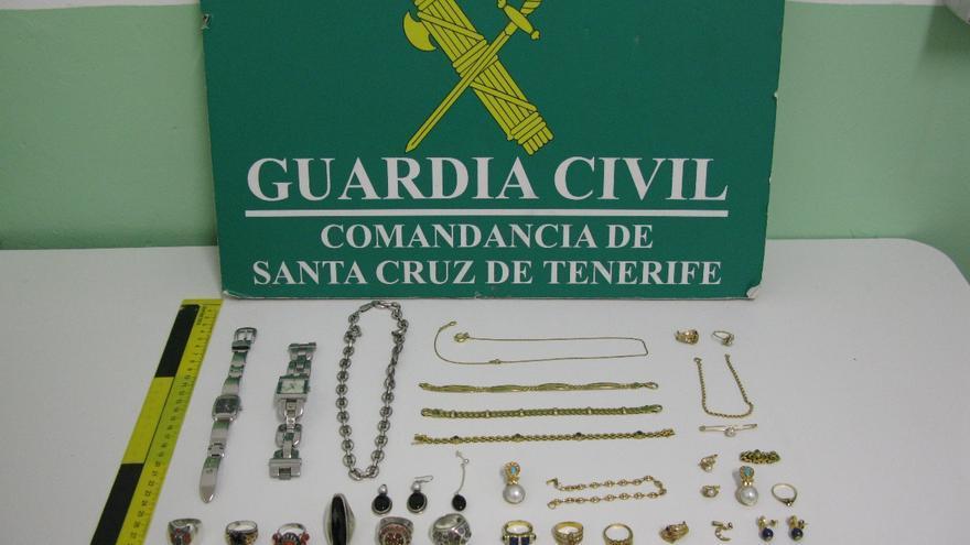 En la imagen, las joyas recuperadas por la Guardia Civil. Foto: GUARDIA CIVIL.
