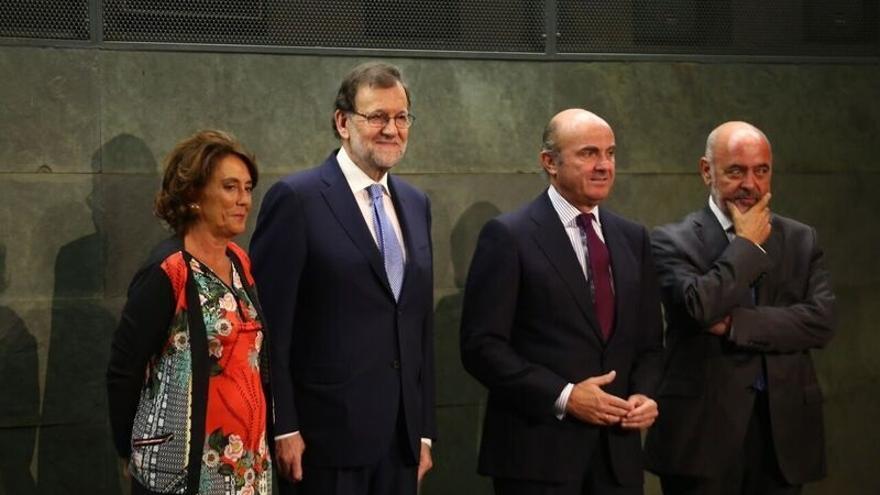 """Rajoy pide a Sánchez """"acabar con el ruido"""" y el bloqueo político en un acto en Madrid sin alusiones a Barberá"""