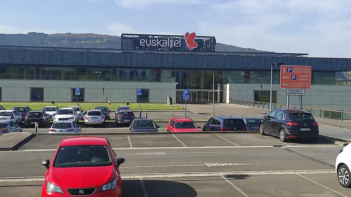La sede de Euskaltel en el Parque Tecnológico de Derio (Bizkaia).