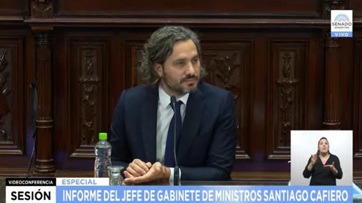 El jefe de Gabinete, Santiago Cafiero, responde preguntas del Senado.