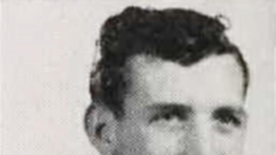 Fotografía de John Maurice Laxalt mientras cursaba estudios de abogacía en 1947 en la Universidad de Nevada, Reno.