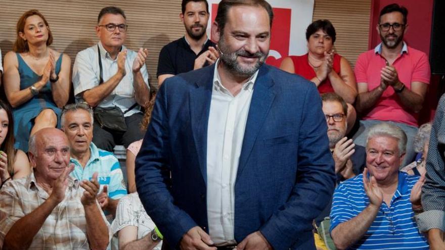"""Ábalos asegura que Ciudadanos está """"compitiendo con Le Pen"""""""