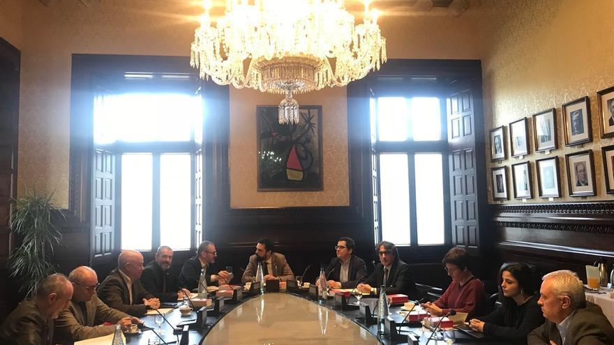 Torrent trasladará una queja al Govern por el trato de los Mossos a diputadas de la CUP