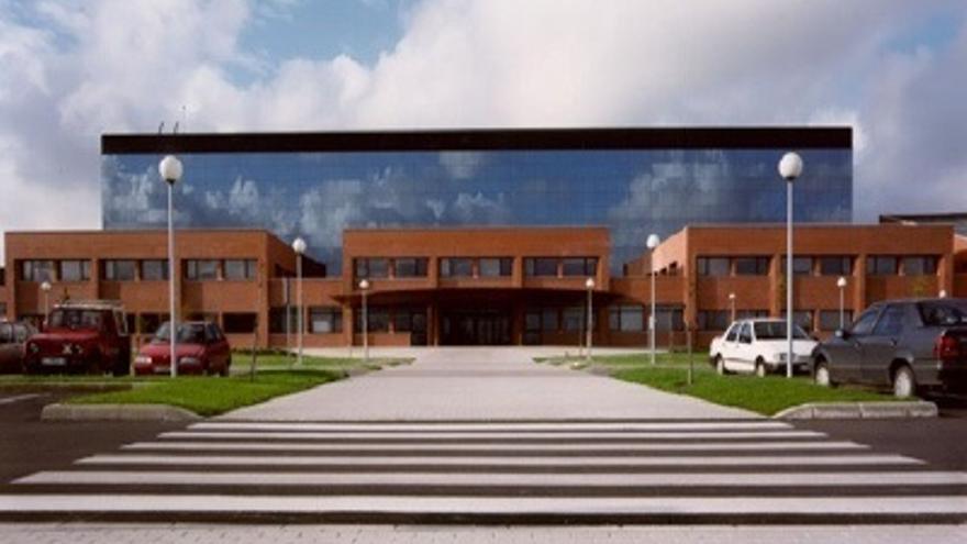 UGT convoca huelga indefinida en las cafeterías y cocina del hospital Sierrallana