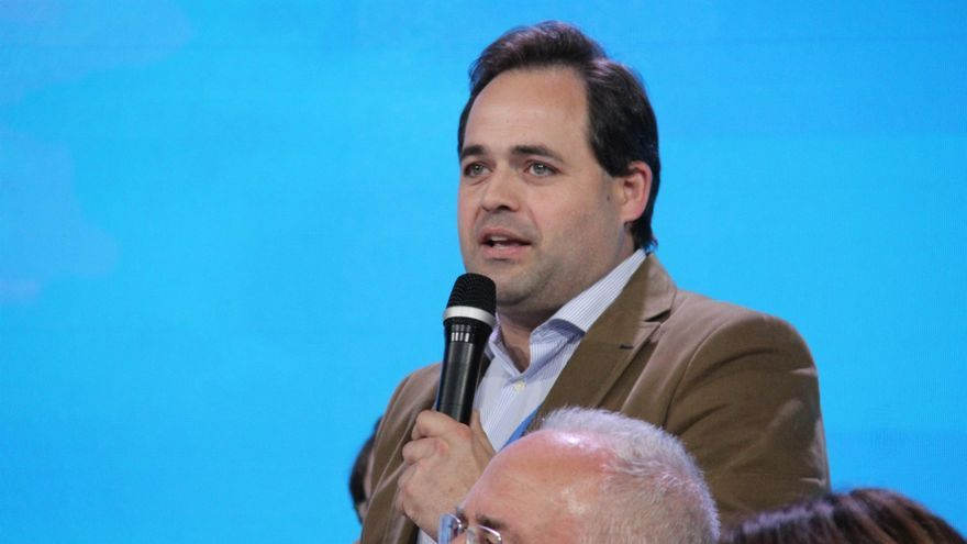 Núñez durante la convención nacional del  PP