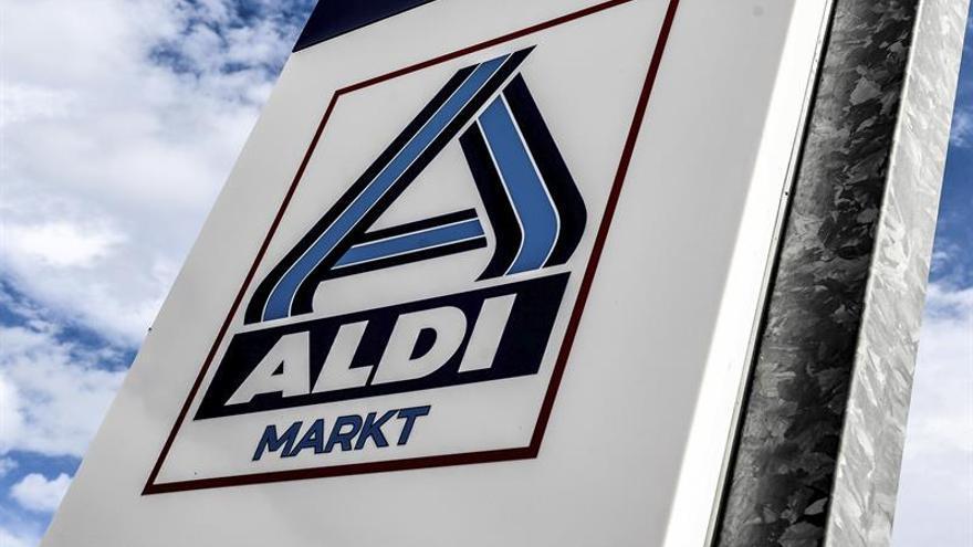 Aldi retira también de sus tiendas alemanas todos los huevos holandeses