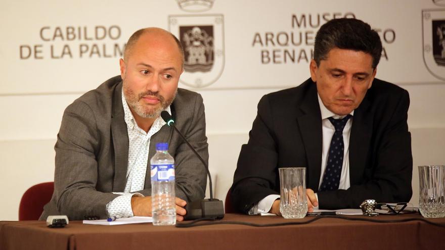 Pedro Afonso (i) y Martín Orozco en la presentación del curso.