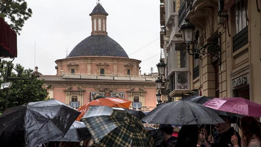 Lluvia y temperaturas algo más bajas despiden el último fin de semana de mayo