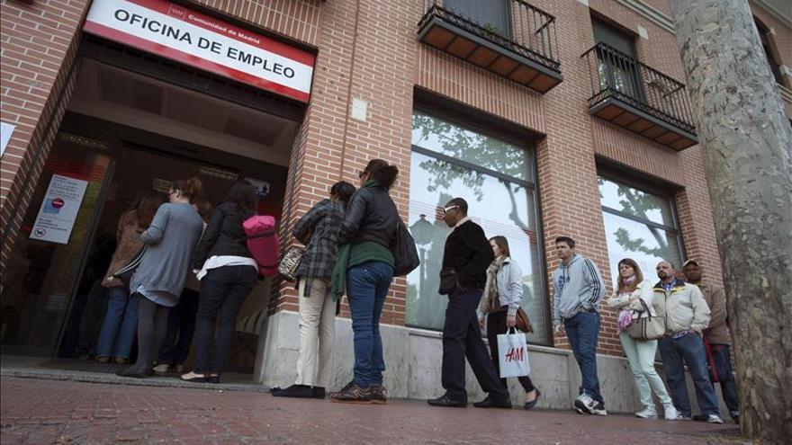 Báñez dice que la EPA confirmará la buena tendencia del paro en los últimos 11 meses