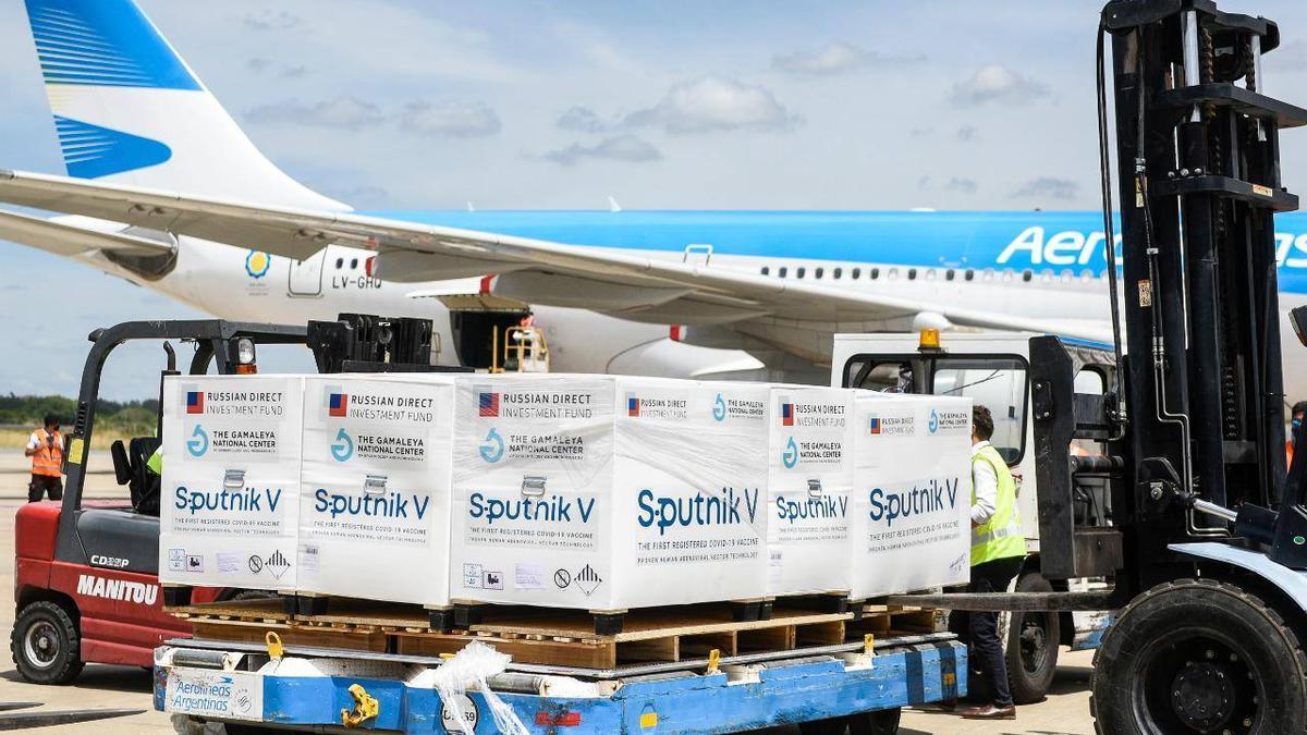 El tercer vuelo de Aerolíneas Argentinas está demorado