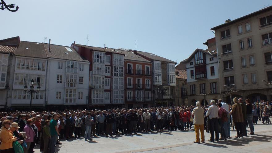 Concentración de protesta en Reinosa por la eliminación de la parada en la conexión con Madrid.