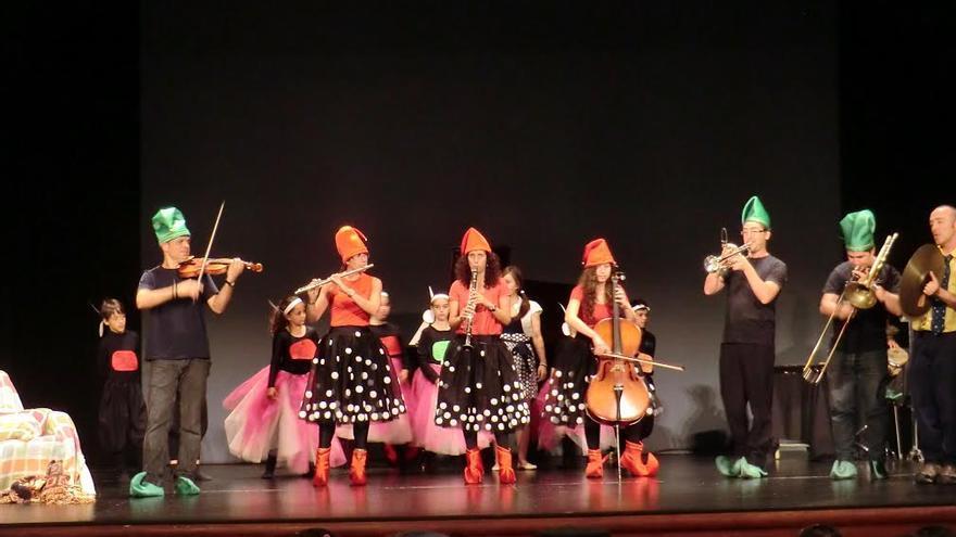 Imagen de archivo de una actuación de alumnos y profesores de la Escuela Insular de Música.
