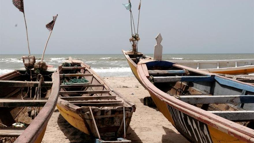 Mauritania firma un acuerdo con Senegal que permitirá faenar a 400 pesqueros