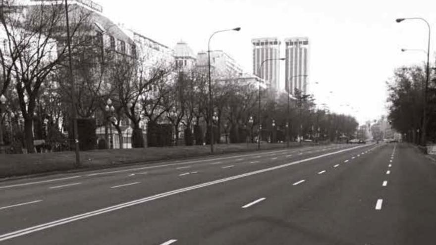 Paseo de la Castellana de Madrid desierto en la mañana de la huelga general del 14-D.