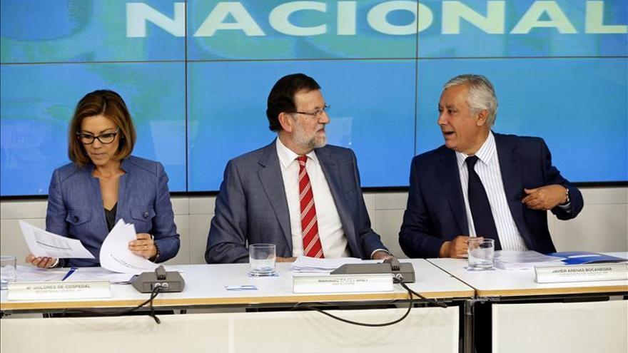 Rajoy y sus barones hacen autocrítica y reconocen el rechazo a la marca PP