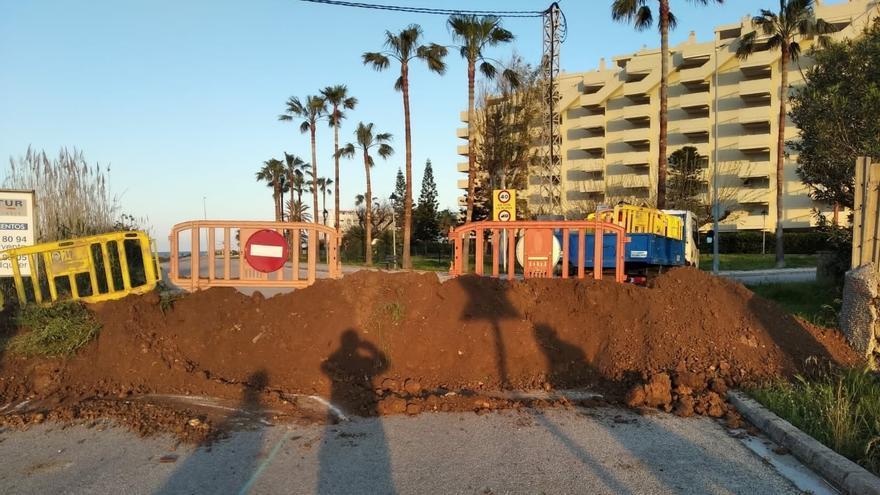 Una de las barricadas levantadas en Xeraco