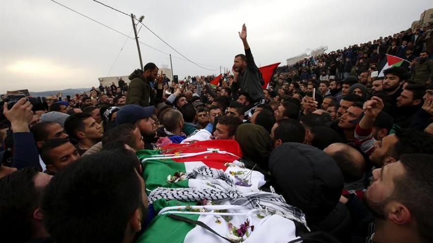 Israel devuelve el cuerpo del palestino Basel Al Araj, muerto en su arresto