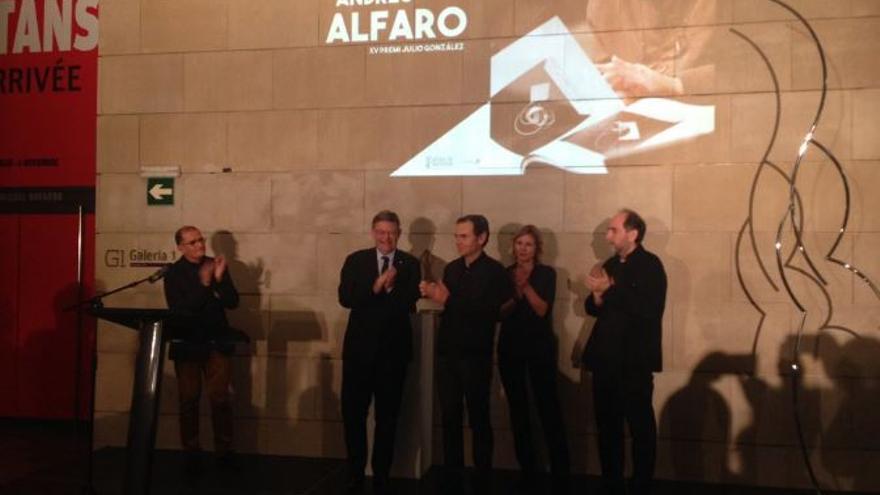 El president Ximo Puig hace entrega del XV premio Julio González