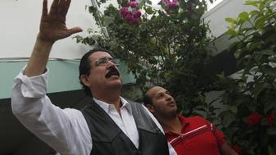 Zelaya se muestra pesimista tras los intentos de diálogo por la falta de interés del Gobierno 'de facto'