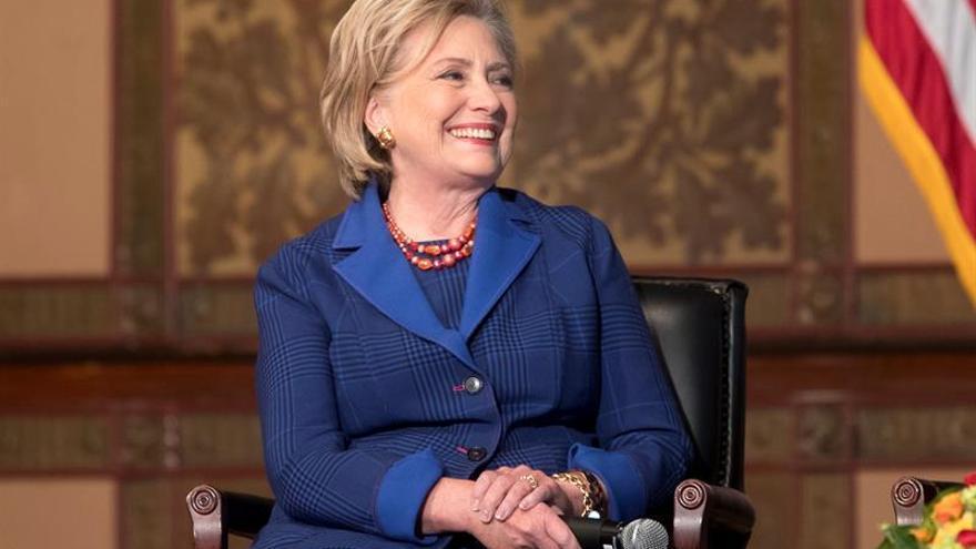 Hillary Clinton debutará como productora televisiva junto a Steven Spielberg