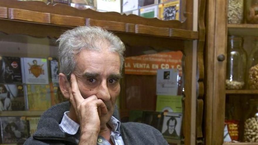 Fotografía de archivo del poeta, actor y escritor madrileño Leopoldo María Panero. EFE/ARCHIVO/Elvira Urquijo A.