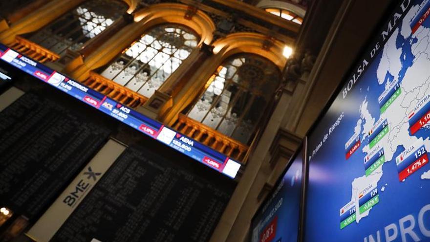 El IBEX 35 vuelve a perder los 9.200 puntos tras reducir ganancias al 0,47 %
