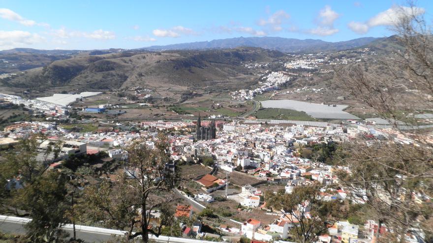 Vista del municipio de Arucas desde el mirador de la montaña