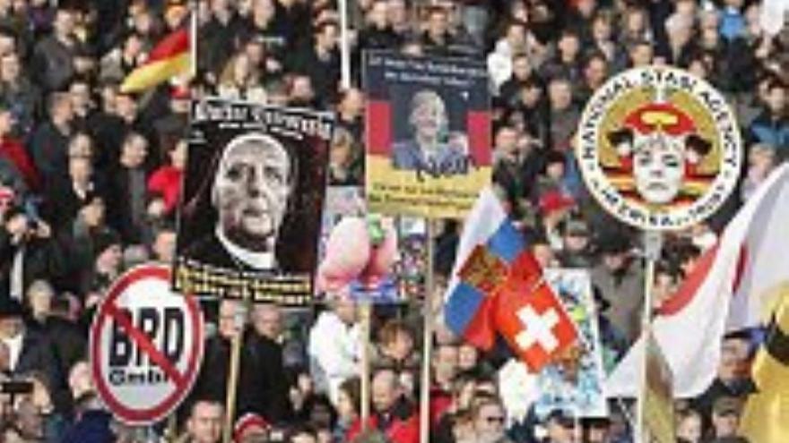 Pegida congrega a miles de personas en Dresde en su día de acción global