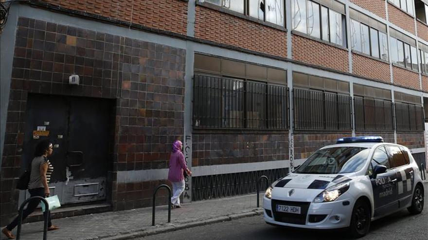 El grupo neonazi desalojado de Tetuán en septiembre ocupa otro inmueble en Madrid. EFE