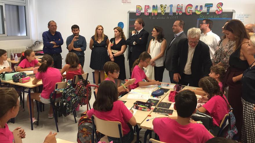 El presidente del Consell, Ximo Puig, en la visita al nuevo colegio público 103 de València