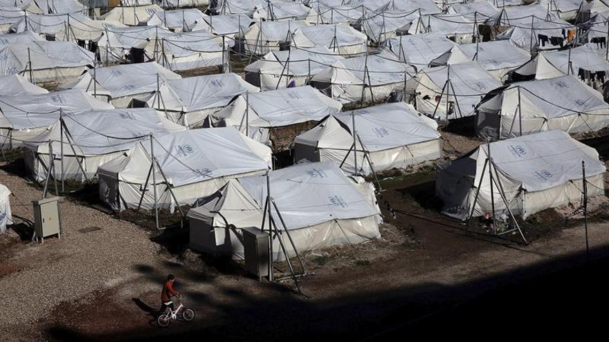 Continúan los problemas en los campos de refugiados de las islas griegas tras el temporal